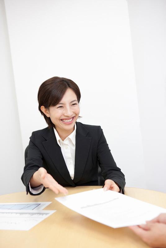 40代の転職、女性の成功例は営業