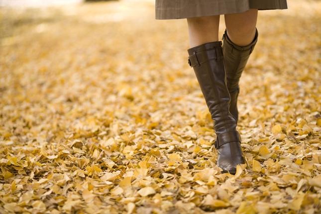 肌の露出を減らす、働く女性の防犯意識の高め方